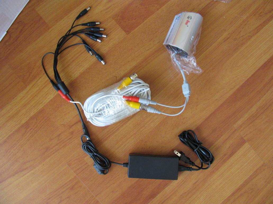 7719d1333977907-wts-8-channel-dvr-surveilance-system-w-8-cams-nib-img_1480.jpg